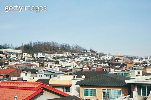 빔 (상태), 빛 (자연현상), 백그라운드, 햇빛, 뜨거움, 인테리어, 식물, 실외 (Setting), 풍경 (컨셉), 집, 지붕 (건물특징), 도시, 마을