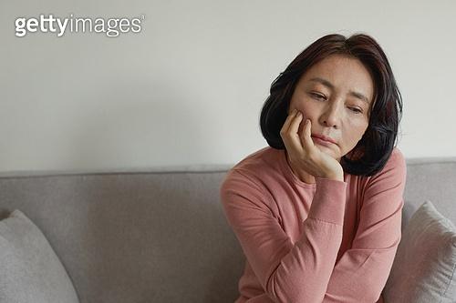 폐경기 (컨셉), 중년여자 (성인여자), 증상, 우울 (슬픔), 스트레스