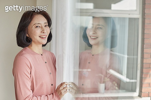 폐경기 (컨셉), 중년여자 (성인여자), 증상, 미소, 밝은표정