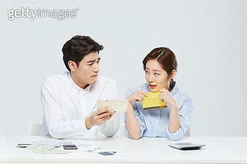금융, 과소비, 소비, 소비 (컨셉), 재테크, 대출, 고지서 (금융아이템)