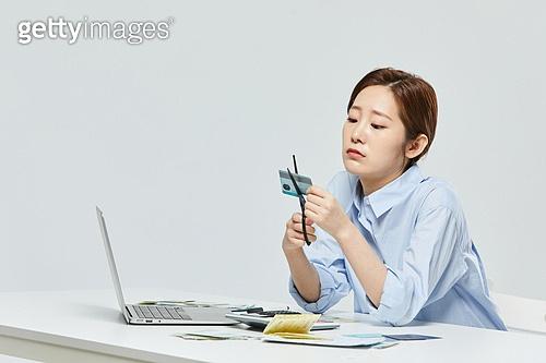금융, 공과금, 과소비, 소비, 소비 (컨셉), 재테크, 신용카드