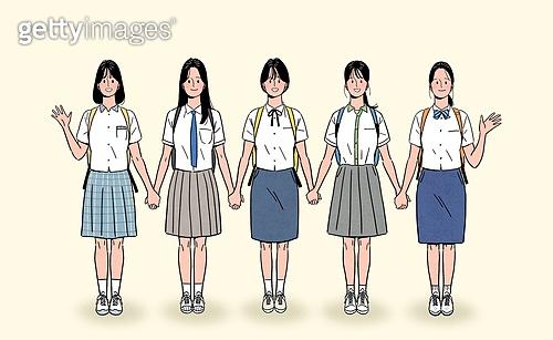 일렬 (배열), 사람들 (사람의수), 여러명[3-5] (사람들), 청년 (성인), 밝은표정, 학생, 교복, 여성 (성별), 여학생, 여름