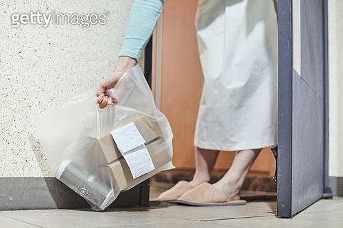배달 (일), 소포 (포장), 온라인쇼핑 (전자상거래), 쇼핑 (상업활동), 전자상거래, 비대면, 비대면배송 (비대면), 배달음식