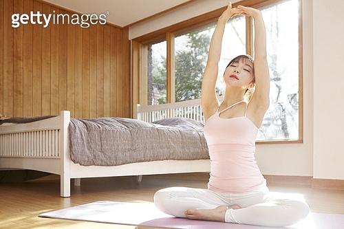 젊은여자,아침,운동,헬스,다이어트,스포츠,침실,방,집