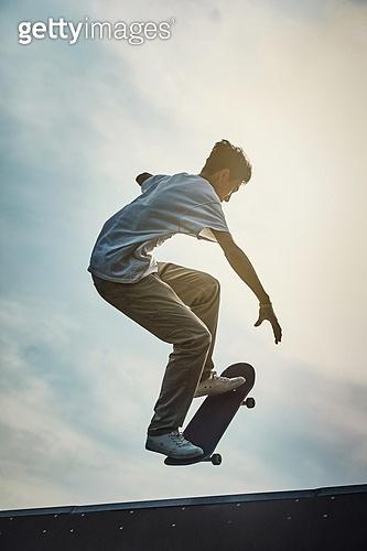스케이트보드, 스케이트보딩, 스포츠, 라이프스타일, 익스트림스포츠 (스포츠), 운동, 활력 (컨셉), 점프, 도전, 도전 (컨셉), 열정 (컨셉)
