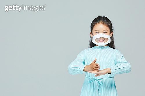 수화 (커뮤니케이션컨셉), 코로나19 (코로나바이러스), 코로나바이러스 (바이러스), 덕분에챌린지 (사회이슈), 사회이슈, 감사 (컨셉)