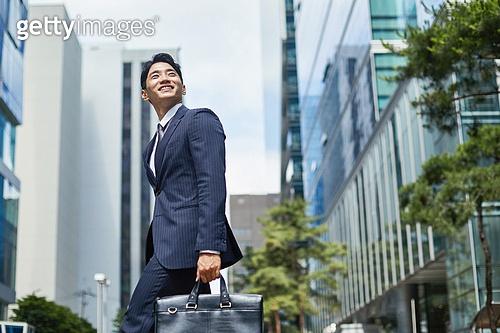 청년 (성인), 비즈니스맨, 채용 (고용문제), 화이트칼라 (전문직), 신입사원, 열정 (컨셉), 출퇴근 (여행하기)