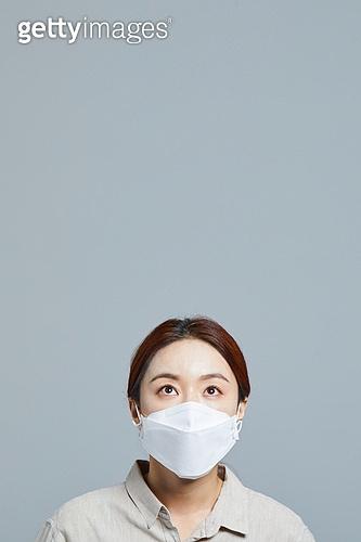 마스크 (방호용품), 코로나바이러스 (바이러스), 코로나19 (코로나바이러스), 응시 (감각사용)