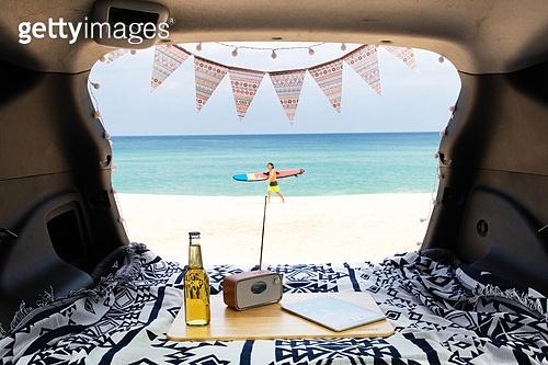 차박캠핑 (캠핑), 자동차, 캠핑, 해변 (해안), 서핑 (수상스포츠), 걷기 (물리적활동)