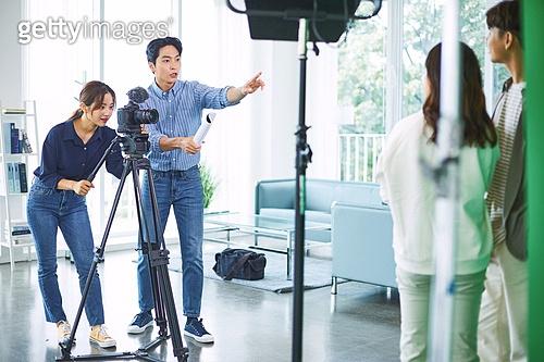 MCN, MCN (주제), SNS (기술), 1인미디어, 유튜브, 1인미디어 (사회이슈), 인플루언서, 인플루언서 (컨셉), 방송, 영화감독 (연출자)