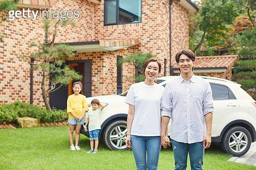 가족, 전원생활 (컨셉), 미소, 밝은표정, 손잡기