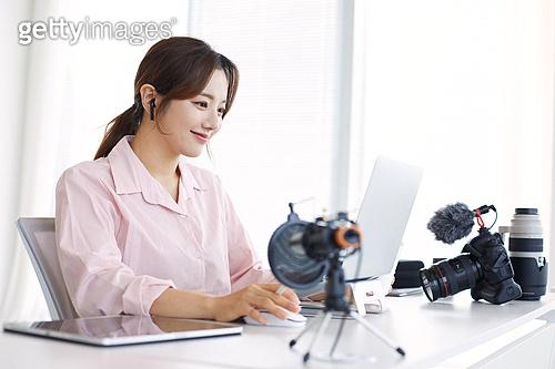 MCN, MCN (주제), 스타트업, 스타트업 (소기업), 소기업 (주제), 일 (물리적활동), 아이디어