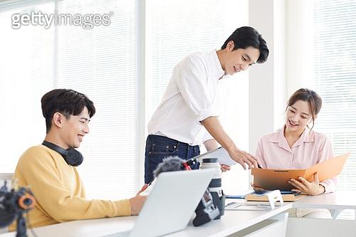 MCN, MCN (주제), 스타트업, 스타트업 (소기업), 일 (물리적활동), 분석, 팀워크, 협력, 협력 (컨셉), 팀워크 (협력)
