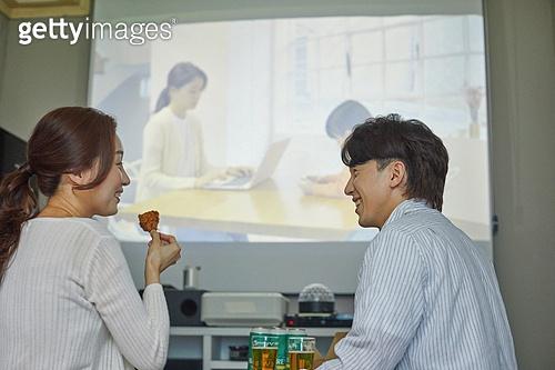 빔프로젝터 (영사장비), 영화, 집콕 (컨셉), 부부, 커플