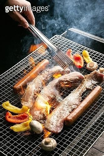 bbq, 돼지고기, 그릴구이, 집게, 소세지