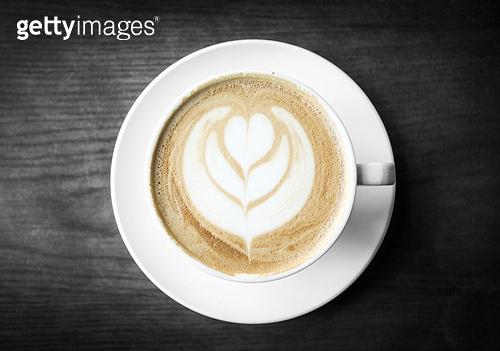 카푸치노,커피잔,한국,국내여행,실내,인테리어,탑앵글,식탁,음식,정물,클로즈업,커피,잔,머그잔,받침,잔받침,무늬,꽃,1,한개,