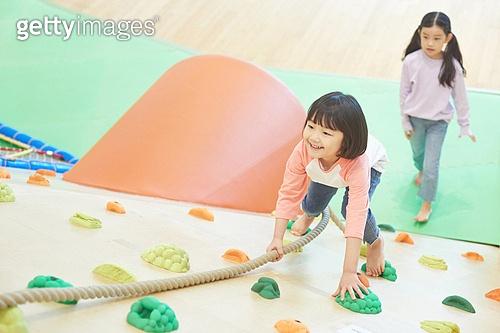 키즈카페, 어린이 (나이), 놀이터, 플레이 (움직이는활동), 올라가기 (움직이는활동)