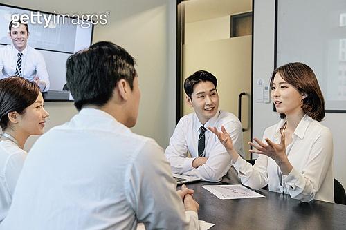 비즈니스, 비즈니스 (주제), 비즈니스맨, 커뮤니케이션, 토론, 협력 (컨셉), 팀워크 (협력), 화상회의 (컨퍼런스콜), 무역협정, 글로벌통신, 화상카메라, 화상통화, 디지털, 비대면, 글로벌, 글로벌비즈니스