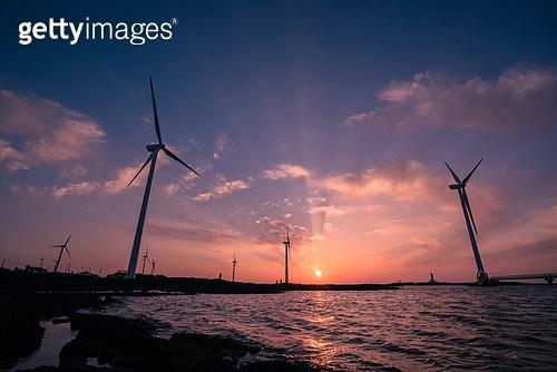 발전소, 전기 (연료와전력발전), 풍력 (대체에너지), 풍력터빈 (터빈), 환경보호 (환경), 대체에너지 (연료와전력발전), 지속가능한에너지, 환경, 탄소배출권 (주제), 탄소중립 (환경보호)