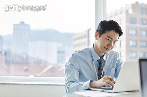 한국인, 비즈니스, 비즈니스 (주제), 비즈니스맨 (사업가), 비즈니스미팅, 화이트칼라 (전문직), 사무실, 회의실, 미팅, 걱정 (어두운표정), 스트레스, 고역 (컨셉)