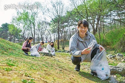 환경운동가, 쓰레기 (물체묘사), 플로깅, 제로웨이스트, 남성