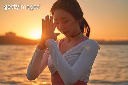 건강관리, 요가, 건강한생활 (주제), 요가수업 (요가), 취미, 휴식 (정지활동), 여가 (주제), 한국인, 기도 (커뮤니케이션컨셉)