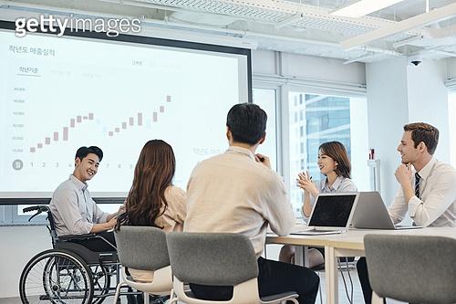장애인 (장애), 휠체어, 장애, 사회복지, 신체장애, 비즈니스, 회의실, 프리젠테이션 (연설), 위기극복 (컨셉), 함께함 (컨셉)