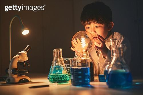 어린이 (나이), 교육 (주제), 초등교육 (교육), 유아교육, 과학, 연구 (주제), 흥미 (주제), 호기심 (컨셉)