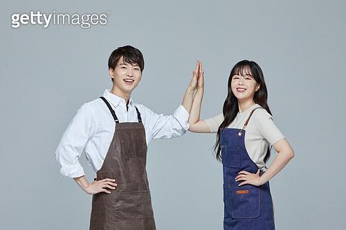 한국인, 20대 (청년), 청년 (성인), 스타트업 (소기업), 여성, 남성, 시간제근무 (직업), 상인 (소매업자), 하이파이브