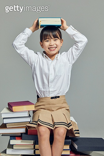 어린이 (나이), 초등학생, 초등교육, 교육 (주제), 공부 (움직이는활동), 학생, 창의성, 학습격차, 소녀 (여성), 호기심, 행복