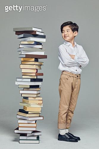 어린이 (나이), 초등학생, 초등교육, 교육 (주제), 공부 (움직이는활동), 창의성, 독서, 호기심, 자신감 (컨셉)