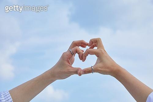 반지, 맞춤제작 (상태), 만들기, 공예, 취미 (주제), 공예조각품 (공예품), 전문기술, 함께함 (컨셉), 사랑 (컨셉), 사람손 (주요신체부분)