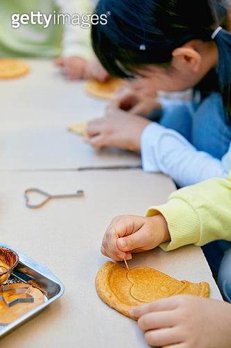 달고나, 추억 (컨셉), 음식, 어린이 (나이)