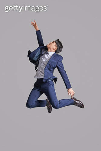 점프, 높이뛰기, 순진 (컨셉), 얼굴표정 (커뮤니케이션컨셉), 청년 (성인)
