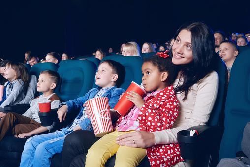 아이들의 영화관람
