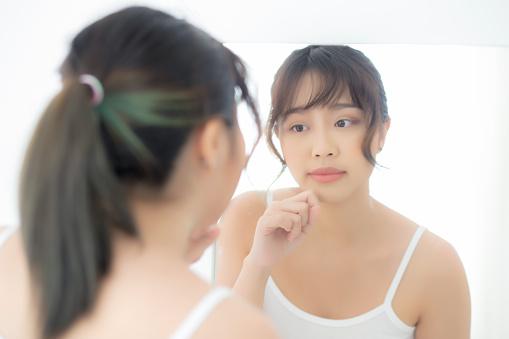 Teen girl show cosmetic