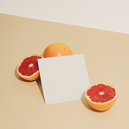 Minimal sunlit fruit composition