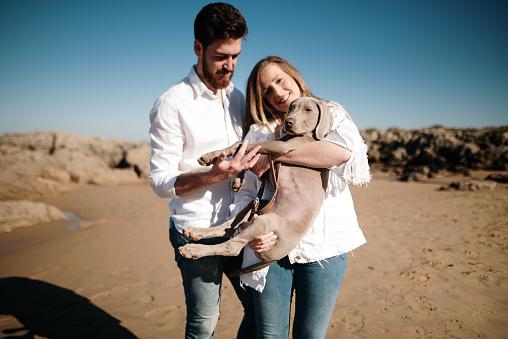 강아지와 연인, 바다 데이트