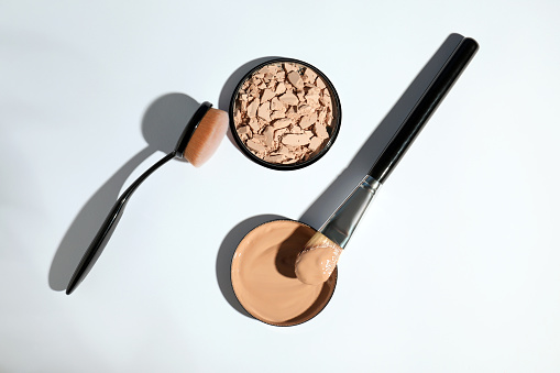 Composition with skin foundation