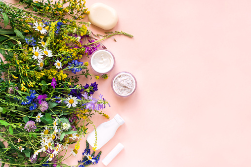 Natural cosmetics and flowers