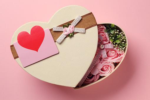 Rose flower gift box
