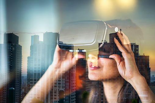 looking with VR