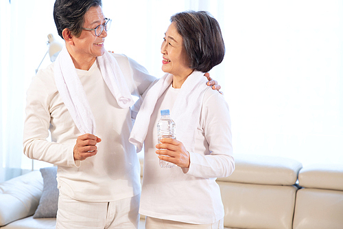 노인커플 (이성커플), 건강한생활 (주제), 실버라이프 (주제), 미소