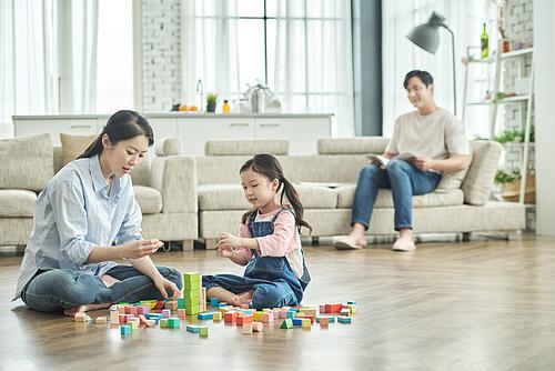 어린이 (나이), 장난감블록 (장난감), 육아, 딸, 엄마, 함께함 (컨셉), 미소
